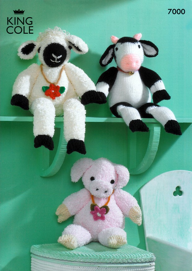 7000 - KING COLE FARMYARD TOY COLLECTION SHEEP COW & PIG KNITTING PATTERN